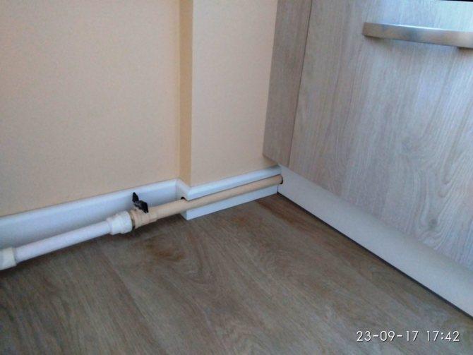Замена труб отопления в квартире и как их спрятать
