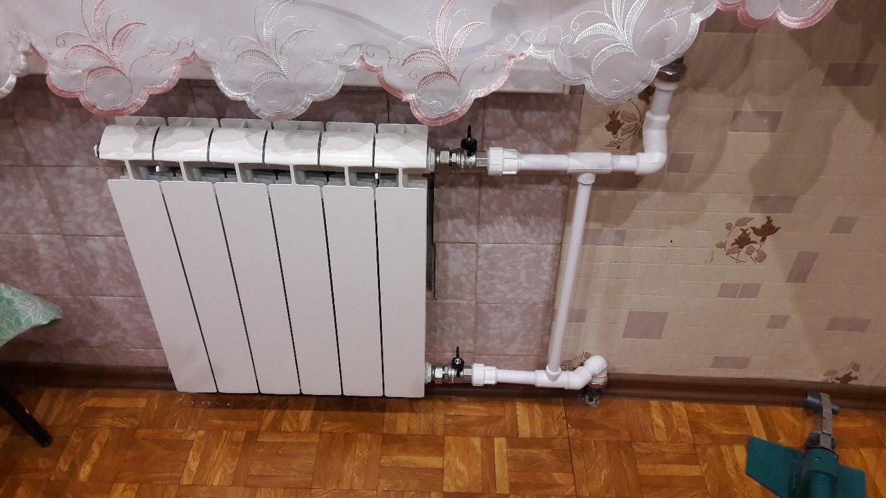 Как установить батарею отопления в частном доме. монтаж и подключение радиаторов отопления своими руками