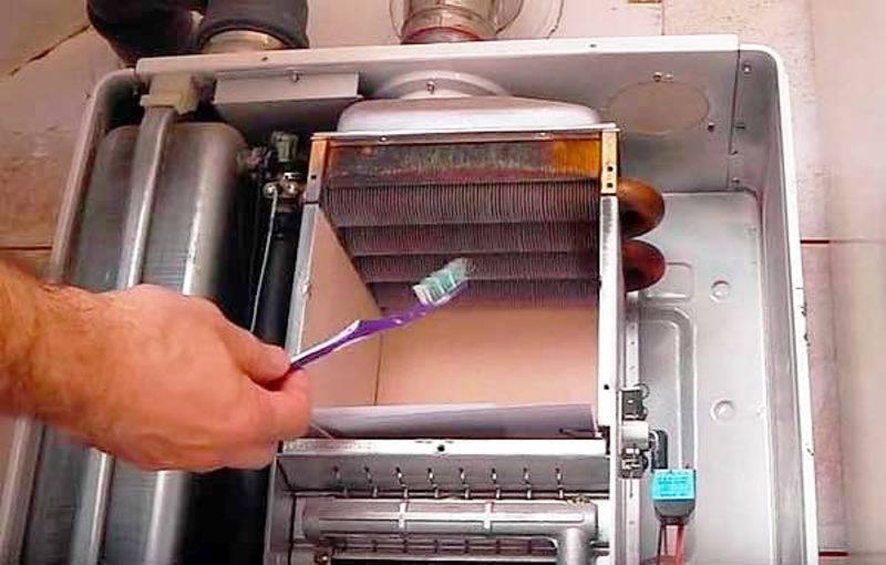 Промывка теплообменника газового котла: очистка одноконтурного и двухконтурного устройства своими руками