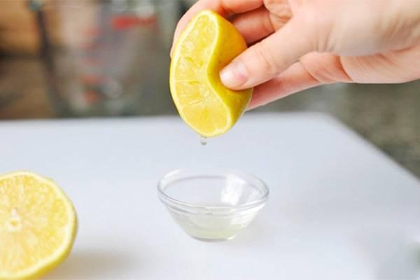 Будем протирать лицо соком лимона — почему это полезно в любом возрасте
