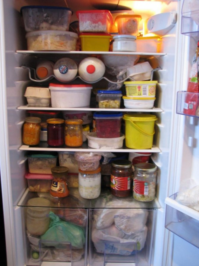 Как убрать наледь в холодильнике, не размораживая его