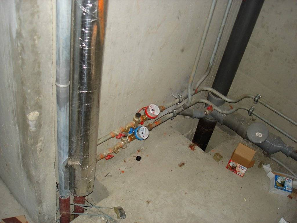 Разводка и замена труб в туалете