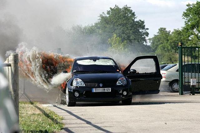 Причины взрывов газовых баллонов в автомобиле и дома при натяжке потолка. почему может взорваться газовый баллон на автомобиле может ли взорваться баллон с газом