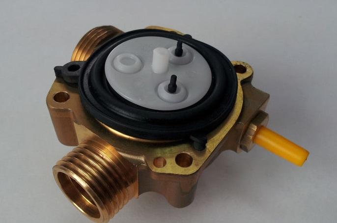 Водяной редуктор в газовой колонке: принцип работы, возможные неисправности и способы их устранения