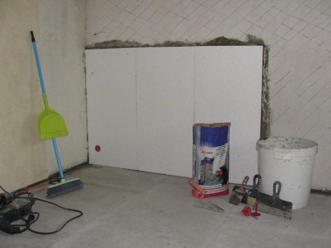 Как и чем утеплить потолок в квартире изнутри?