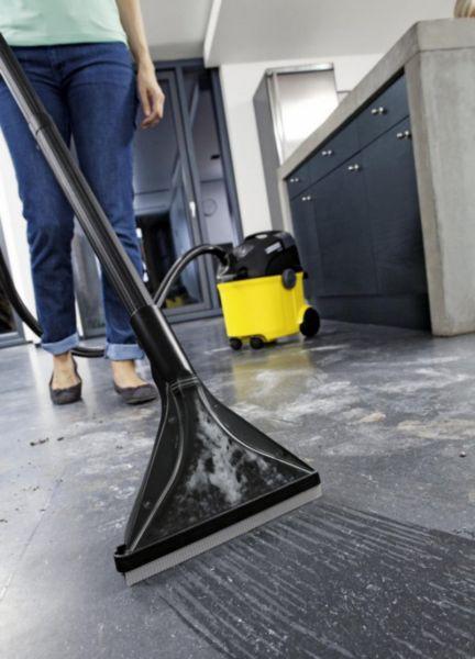 Как правильно пользоваться пылесосом при уборке