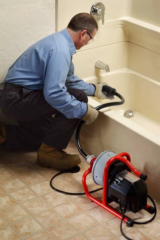 Как прочистить канализационную трубу в домашних условиях от засора: способы устранения + советы по профилактике