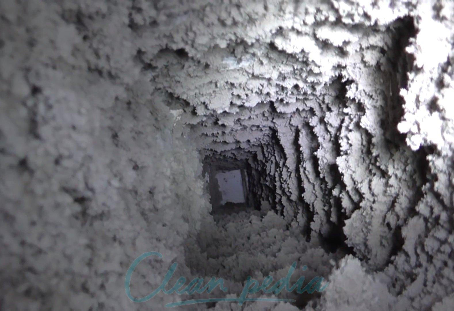 Чистка вентиляции: загрязнения и их причины, проверка системы, инструкция по удалению загрязнений, важность работы