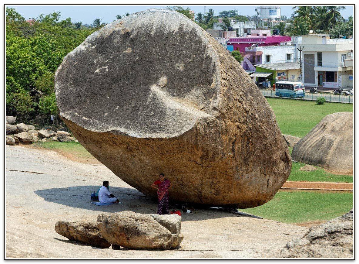 К чему снятся камни в воде и на земле: толкование по сонникам