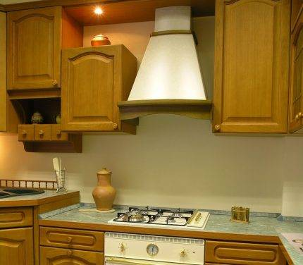 Как перенести кухню в жилую комнату?