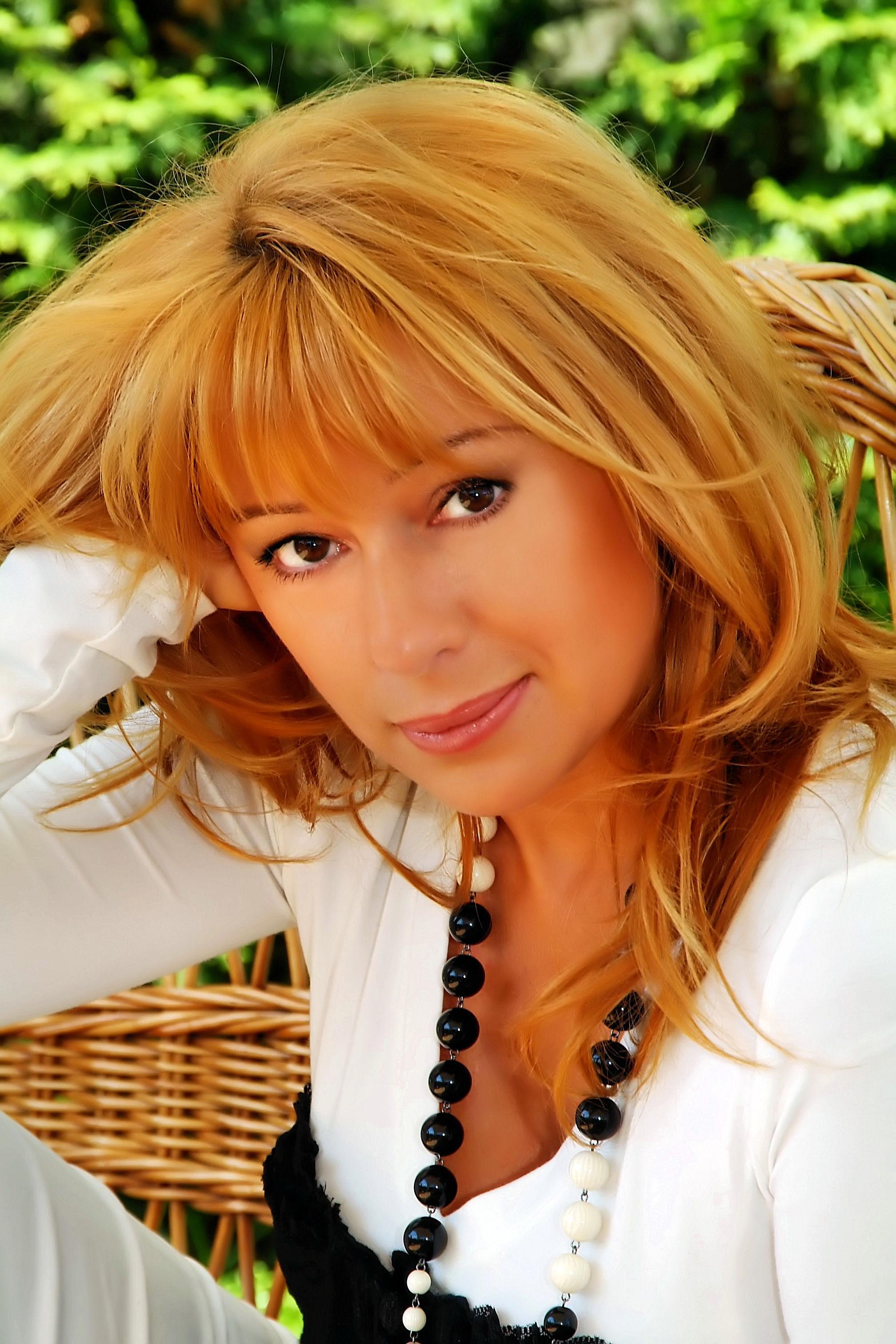 Алёна апина — фото, биография, личная жизнь, новости, певица 2020 - 24сми