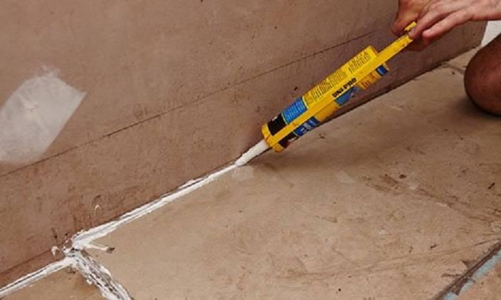 Гидроизоляция ванной комнаты под плитку – что лучше подобрать из материалов