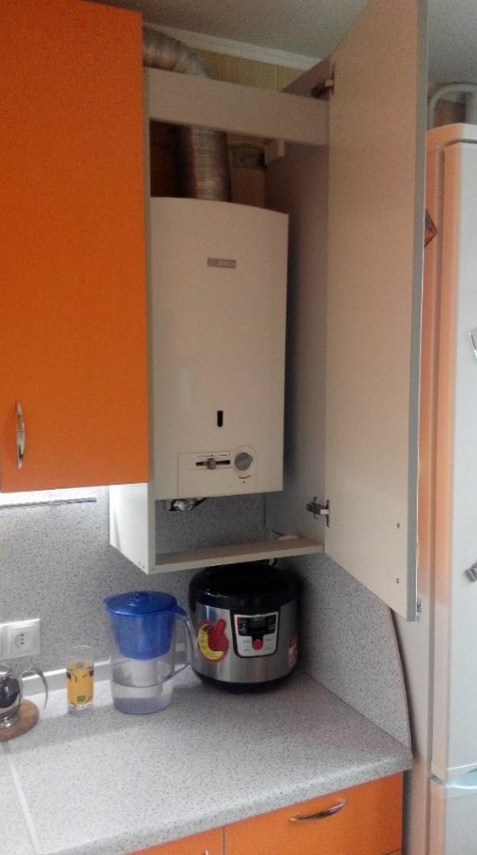 Дизайн кухни с газовым котлом на стене и трубами: как его спрятать, фото идеи