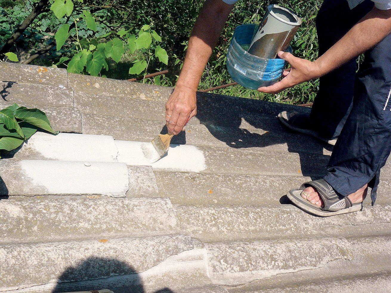 Ремонт шифера: использование мастики, праймера, герметика. как залатать лопнувший шифер