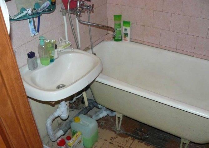 Восстанавливаем чугунную ванну своими руками. ремонт чугунной ванной акрилом. способы восстановления эмали чугунной ванны. способы восстановления эмали чугунной ванны. как своими руками обновить эмаль в ваннеинформационный строительный сайт |