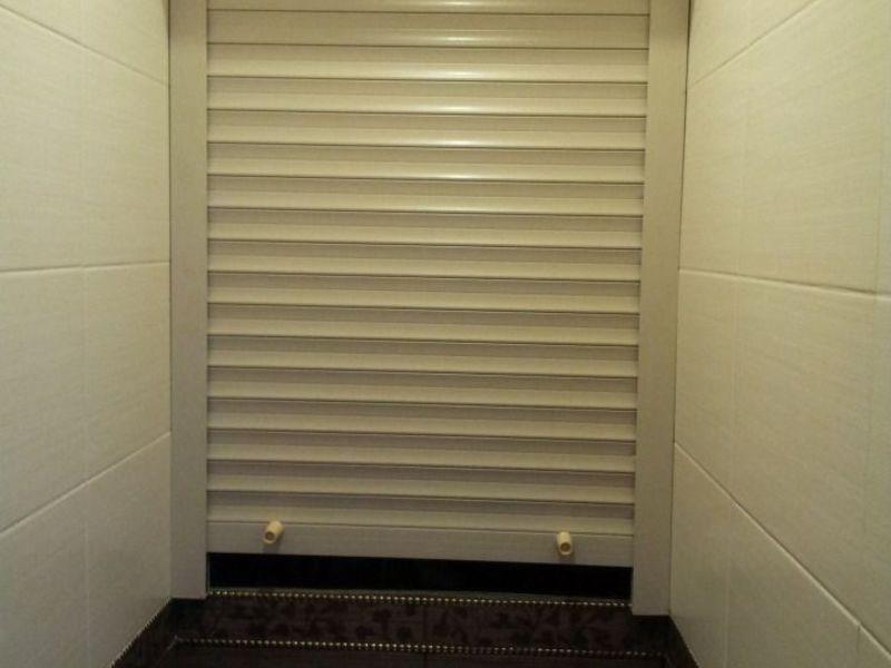 Как спрятать трубы в ванной не монтируя в стену под плитку, чтобы был доступ