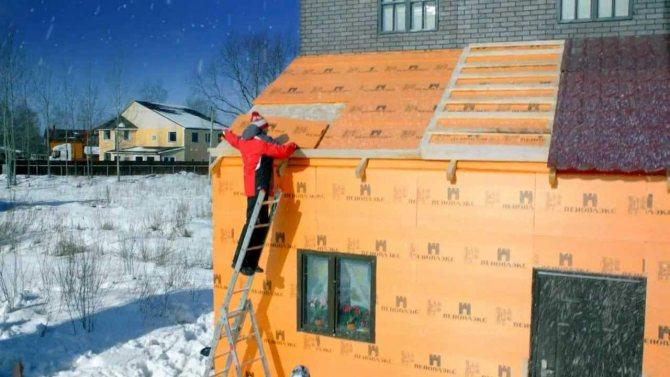 Чем лучше утеплить и обшить деревянный дом снаружи