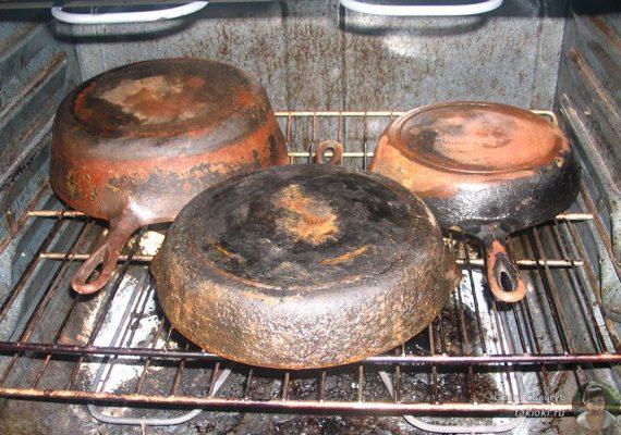 Как очистить сковороду от нагара: 30 способов в домашних условиях