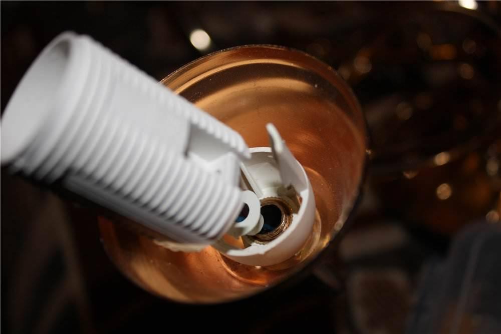 Как правильно разобрать лампочку: инструкция по разбору различных типов ламп. несколько советов как выкрутить цоколь лампочки из патрона как снять цоколь с лампы накаливания