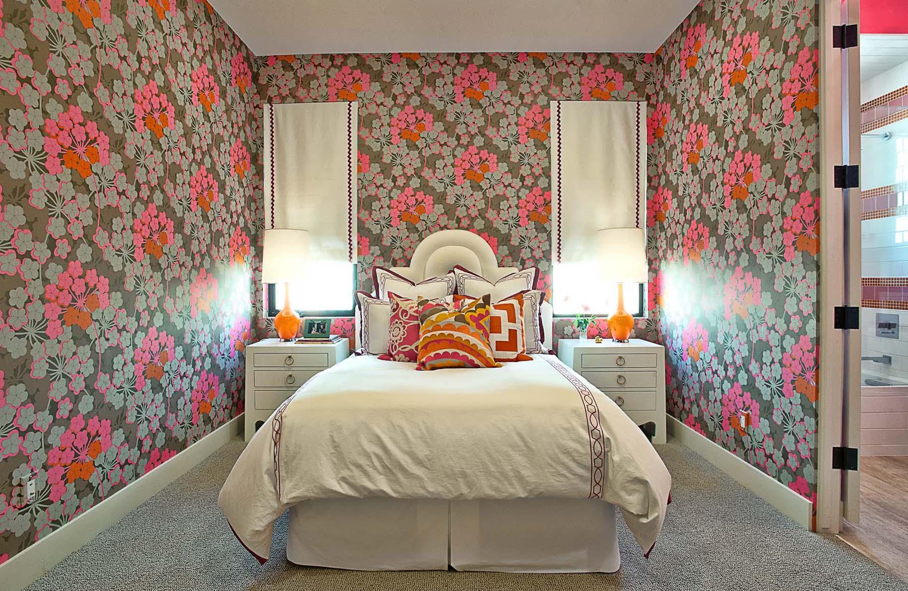 Как скомбинировать обои в комнате, чтобы получился стильный интерьер
