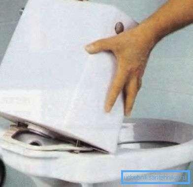 Чем склеить унитаз: обзор различных клеящих составов и инструкция по их использованию