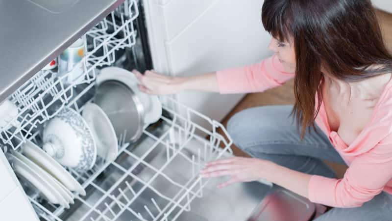 Посудомоечная машина не сливает воду и стоит вода в посудомойке: причины, устранение