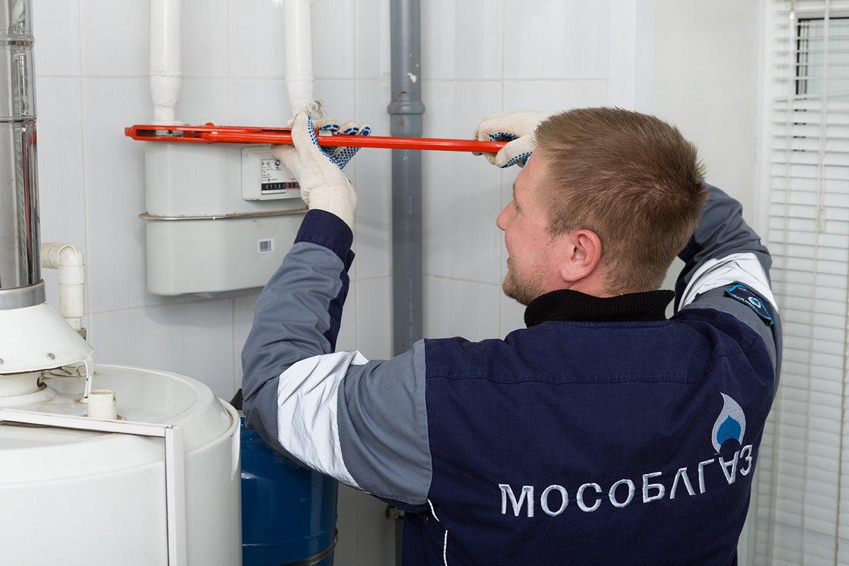 Что делать, если газовая плита пропускает газ: причины утечки газа и их устранение