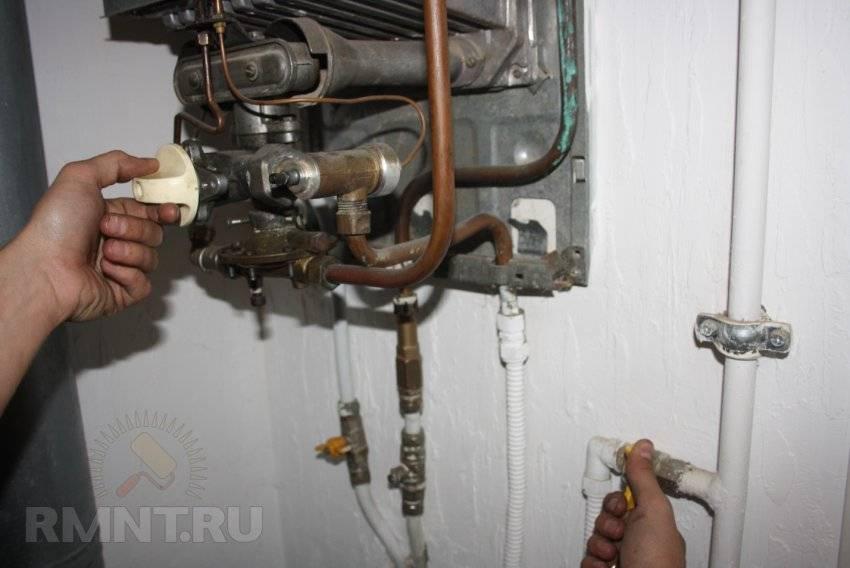Слабый напор горячей воды в квартире - причины, если стоит газовый котел и электрический нагреватель, что делать, если пропало давление