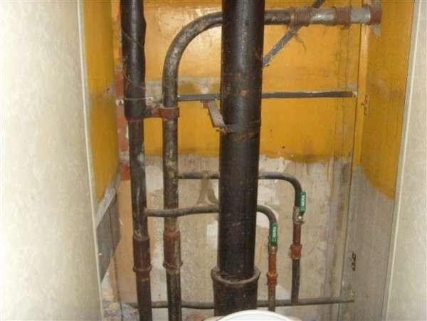 Потек канализационный стояк кто должен ремонтировать. стояк капает, потек канализационный стояк, куда обращаться