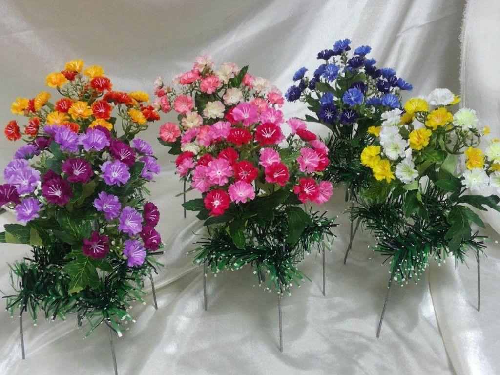 Можно ли держать дома искусственные цветы: приметы и здравый смысл