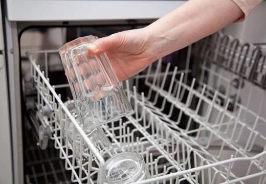 Белый налет в посудомоечной машине — почему появляется как устранить