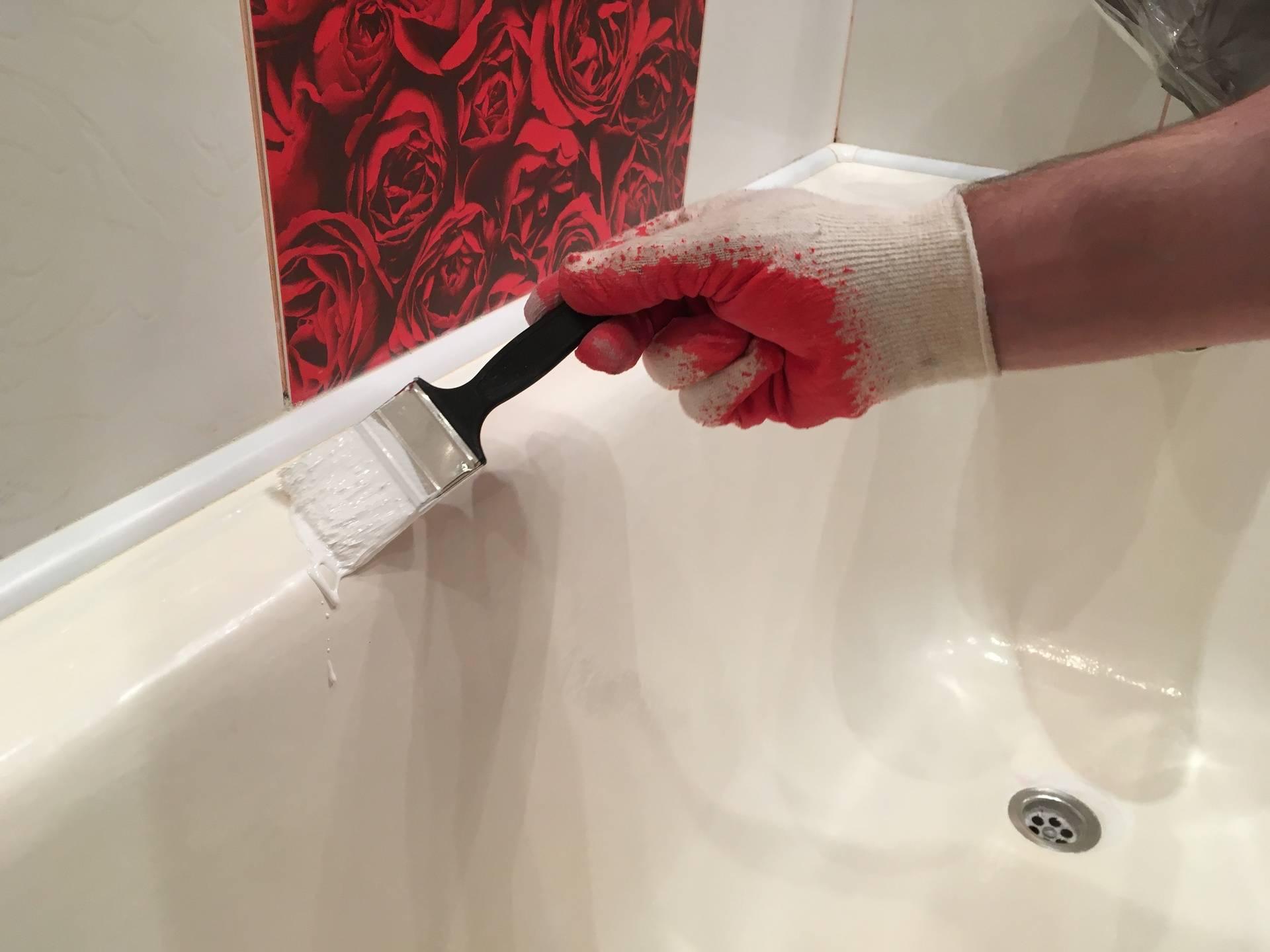 Реставрация ванны жидким акрилом — рассмотрим недостатки и преимущества данного метода