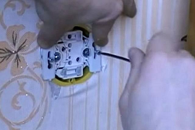 Как починить розетку своими руками - подробная инструкция!