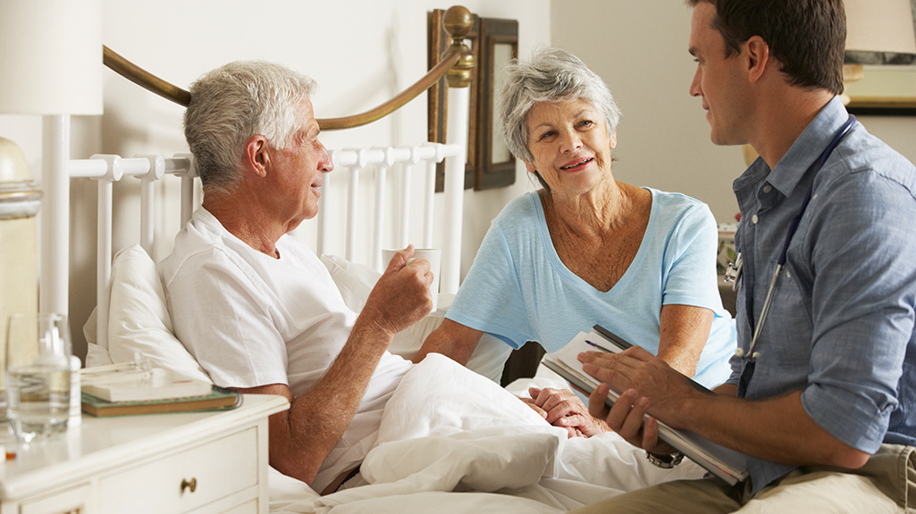 Правила в доме престарелых: устройство и проживание, особенности оформления с юридической стороны
