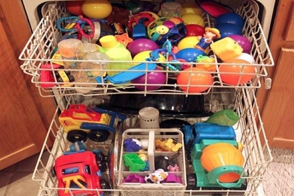 Какую посуду нельзя мыть в посудомоечной машине: материал имеет значение