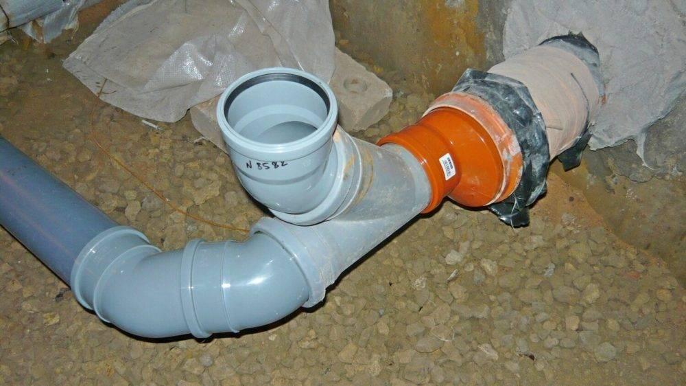 Нюансы установки канализационных труб своими руками