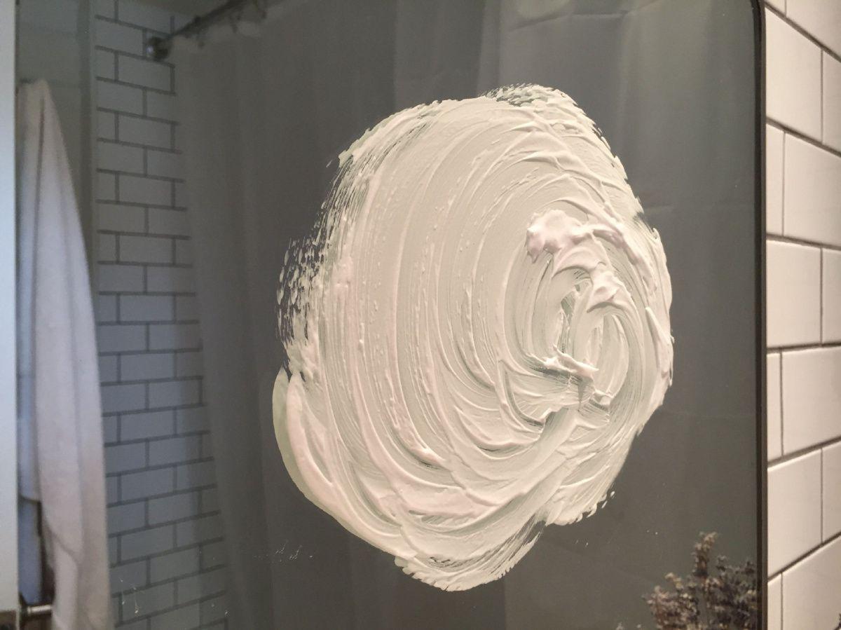 Как помыть зеркало без разводов: эффективные методы