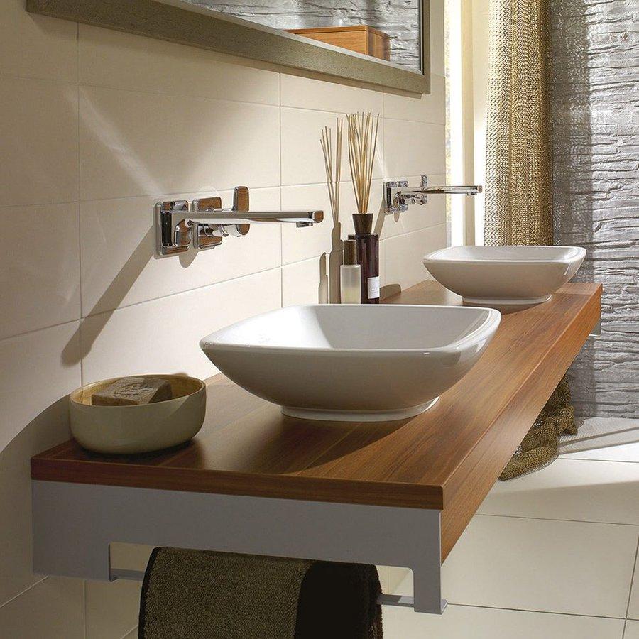 Можно ли повесить раковину над ванной — как выглядит в интерьере