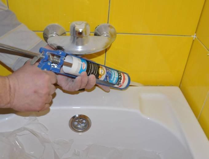 Герметизация ванны со стеной — заделываем зазор