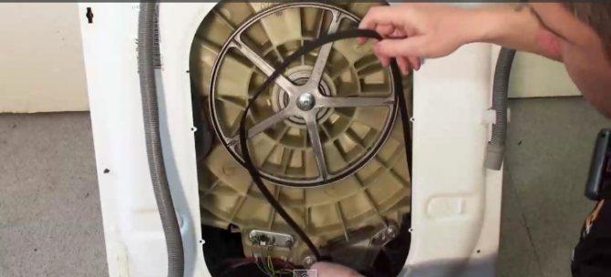 По каким причинам не крутится барабан в стиральной машине