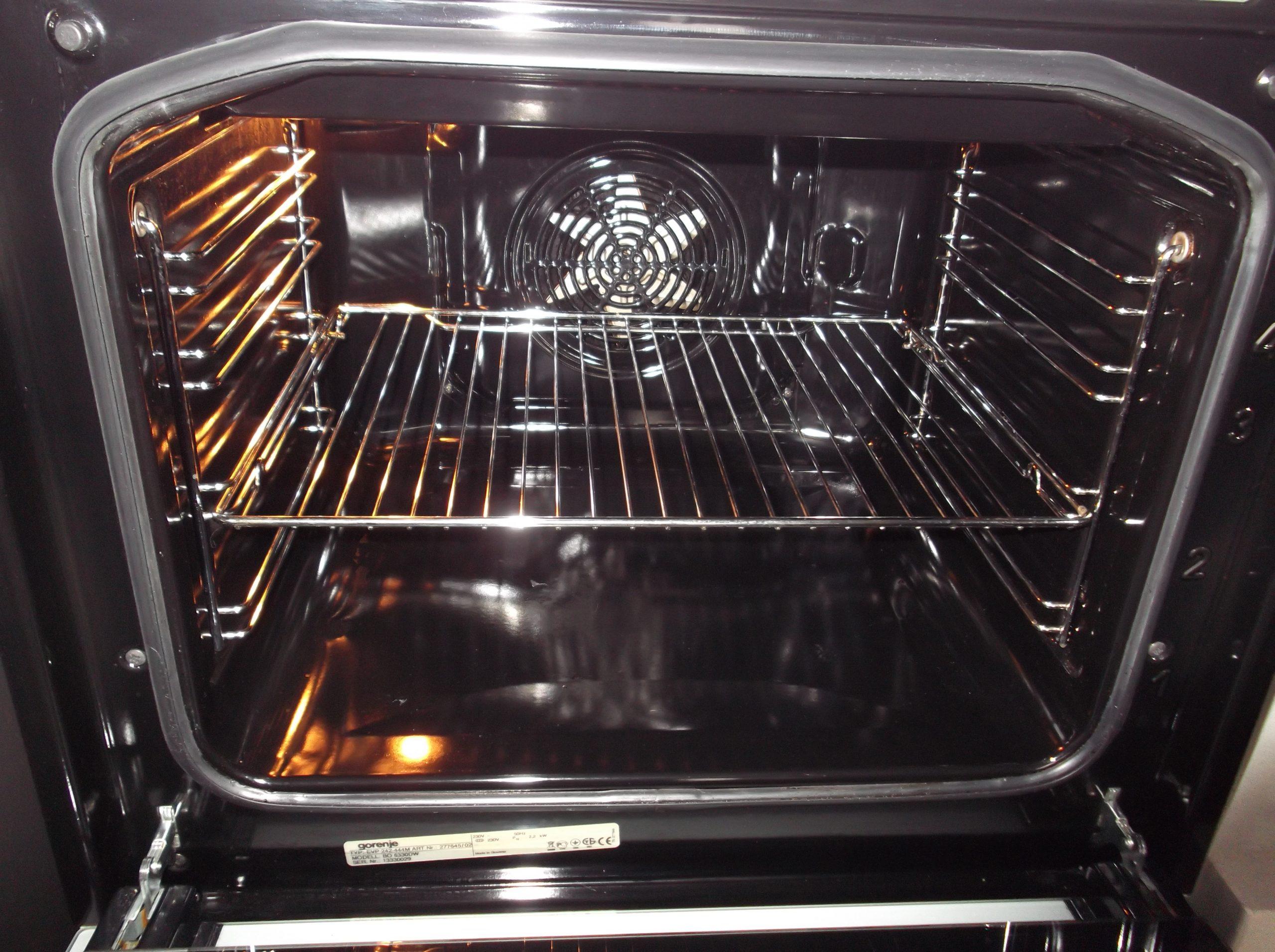 Как включить духовку в электрической плите: инструкция, первый запуск, основные функции