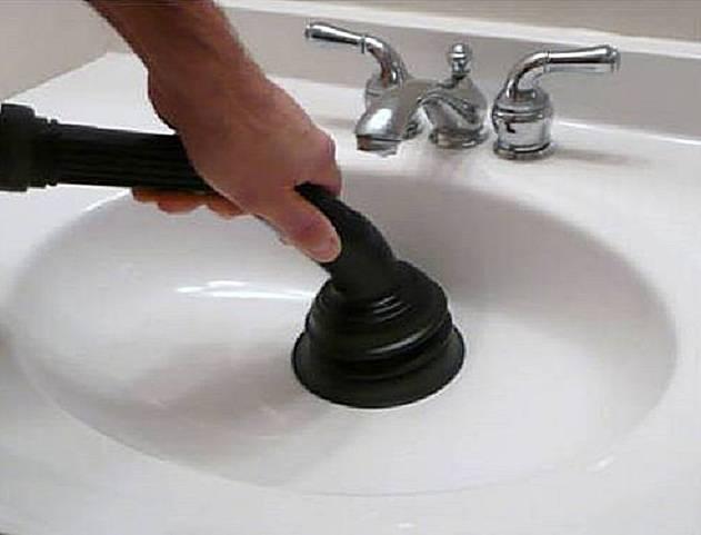 Как и чем прочистить засор в раковине в домашних условиях