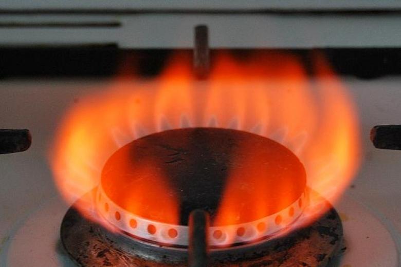 Почему газовая плита горит красным пламенем — stroilko.info