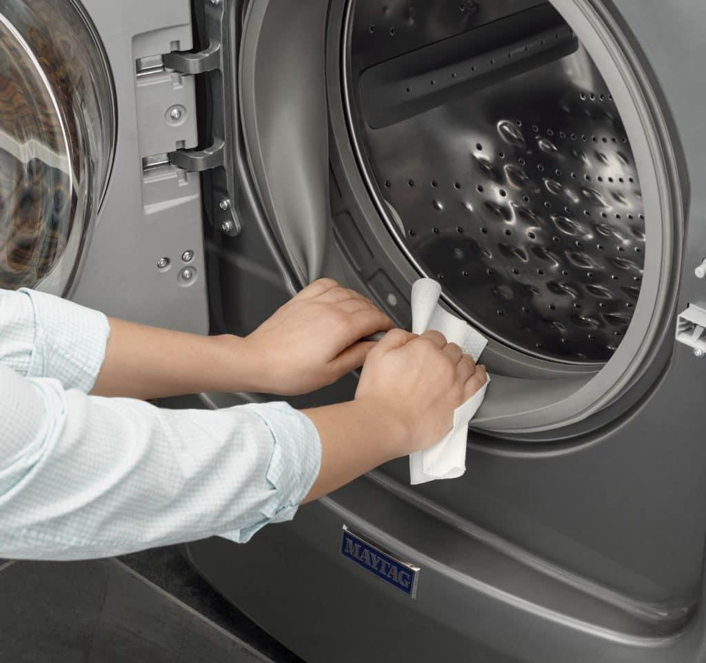 Как правильно чистить стиральную машину от грязи и запаха