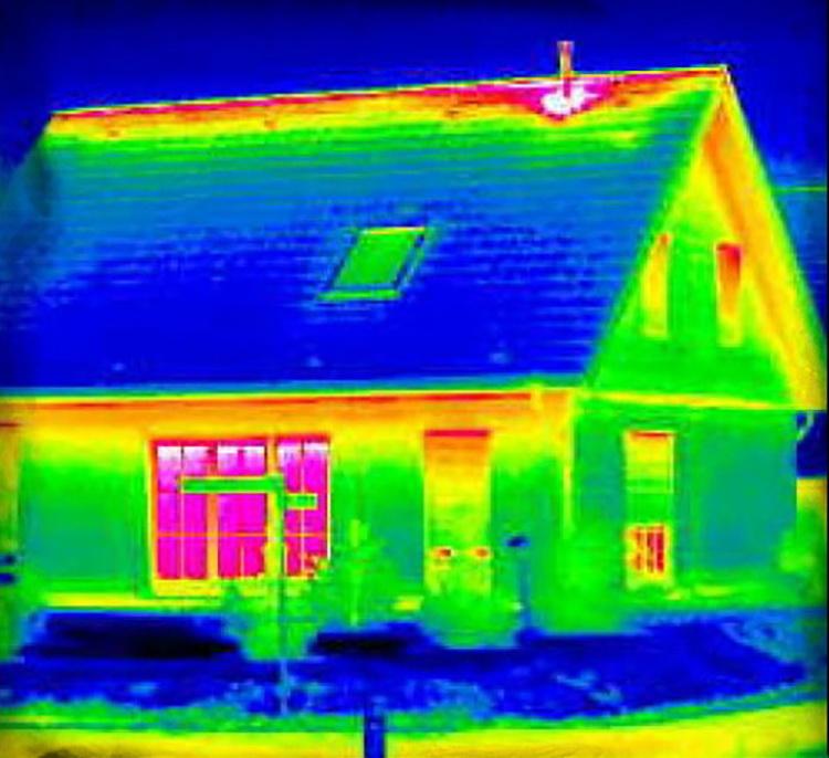 Обследование и проверка дома тепловизором при покупке или контроле строительства