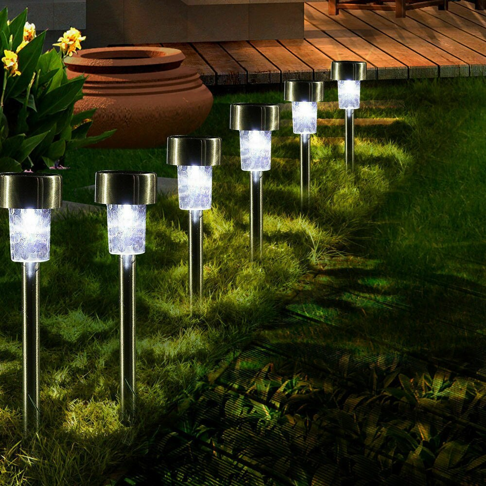 Фонари на солнечной батарее для загородного дома или дачи