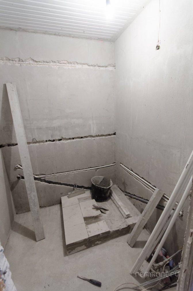 Как установить смеситель в ванной на стену своими руками: пошаговая инструкция, советы по выбору смесителя