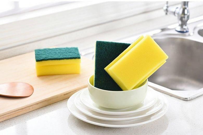 Как часто нужно менять кухонную губку, и что будет, если этого не делать?