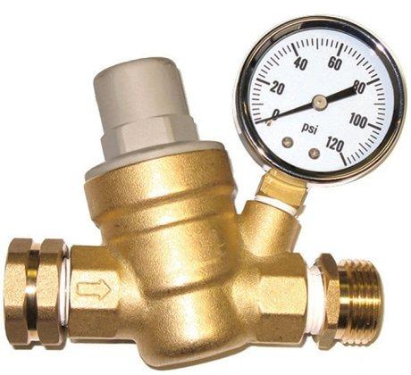 Зачем бывает необходима замена редуктора давления воды и какова ее цена?
