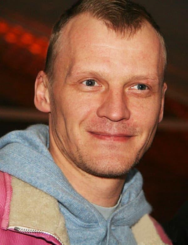 Алексей серебряков ℹ️ биография, личная жизнь, фото, фильмография, актер уехал из россии со скандалом, отказался от российского гражданства, последние новости, жена, дети, интервью, высказывания о россиянах